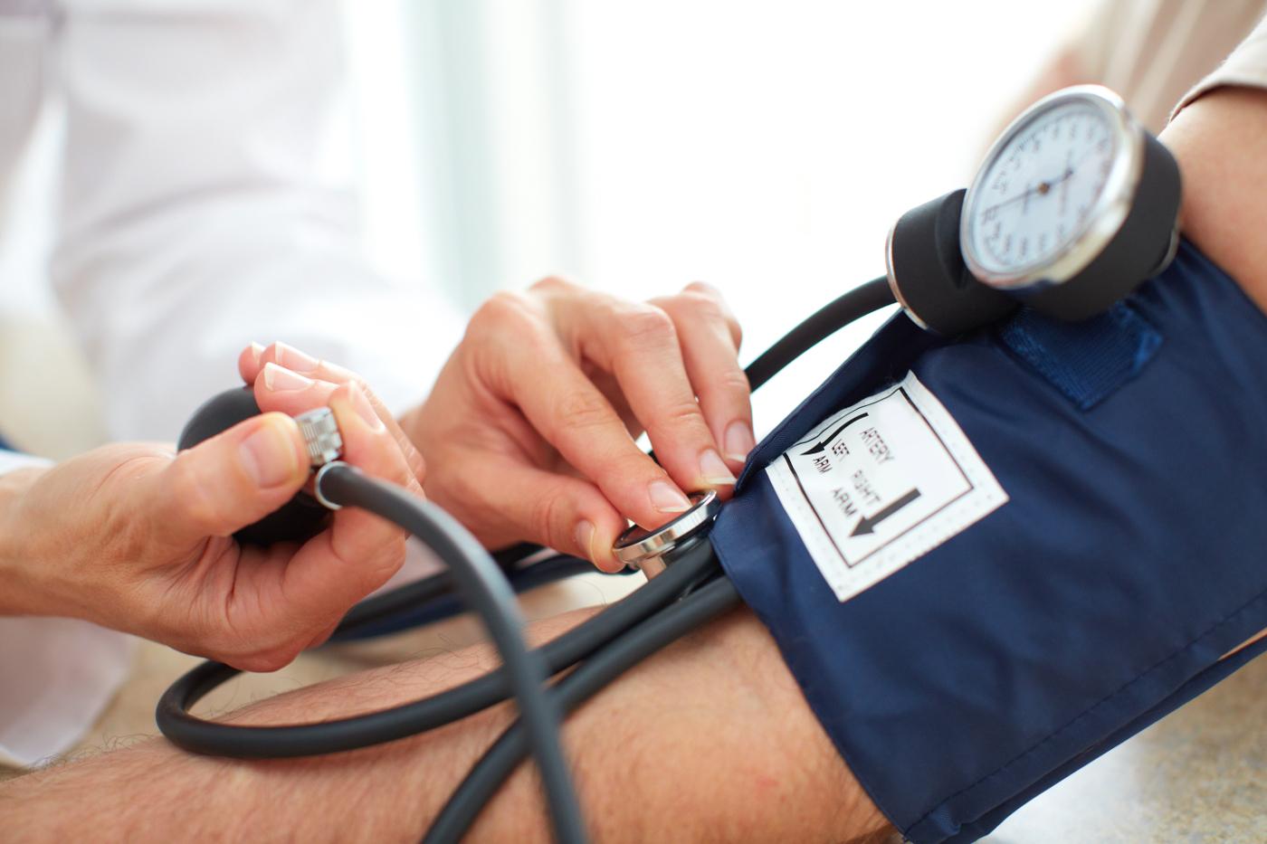 Низкое артериальное давление: причины и лечение